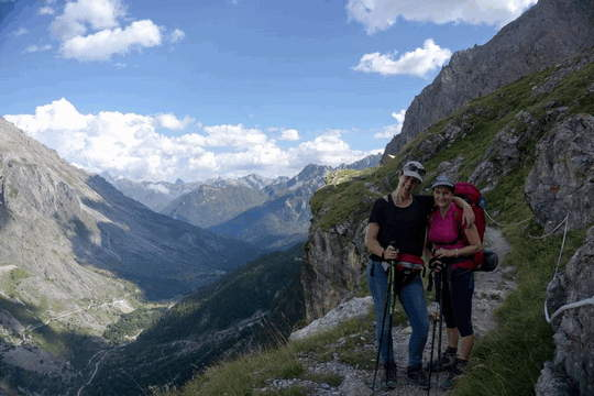 trekking by season - summer