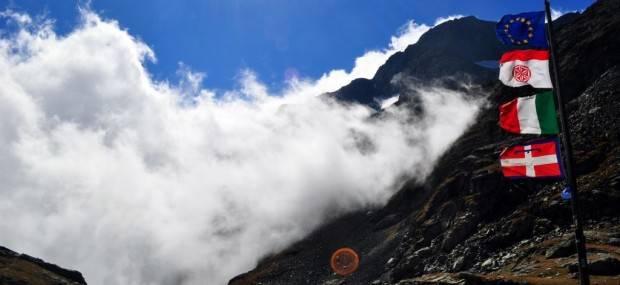 Bessaneese_Trekking_alps_Italy
