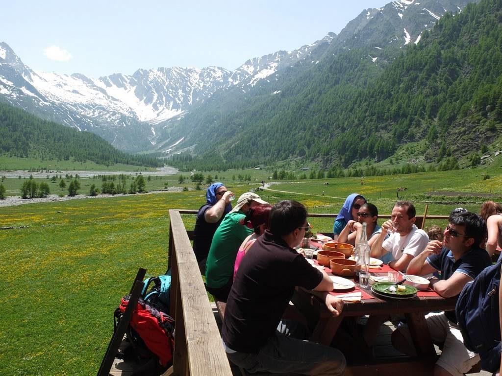 DeluxeTrek - gourmet_hiking tour_Italian_Food