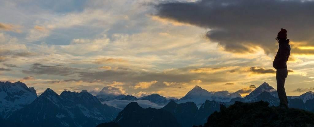 Mountain-hiking-tours- in-italy-trekking-alps
