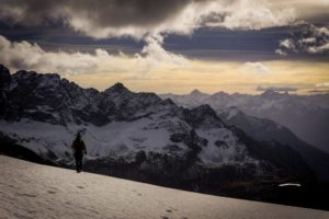 Hike a 3000 meters in the Alps - Tete Blanche