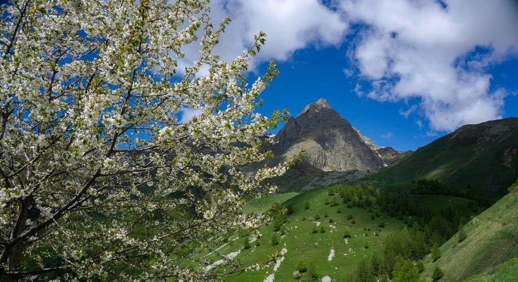 Spring hike in Italy