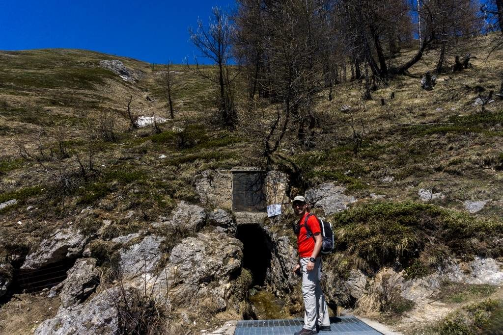 Thullie Hole - Spring Day Hike from Torino 6