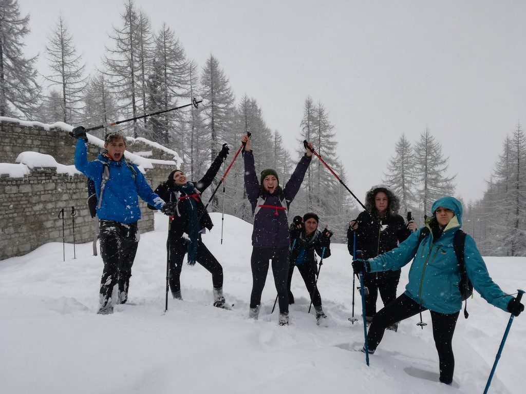 cheap weekend hiking alps students