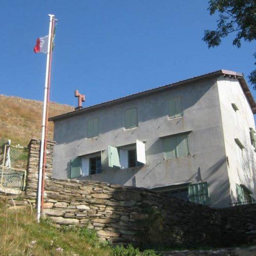lake maggiore hiking shelter campiglione Maggiore Lake Trek